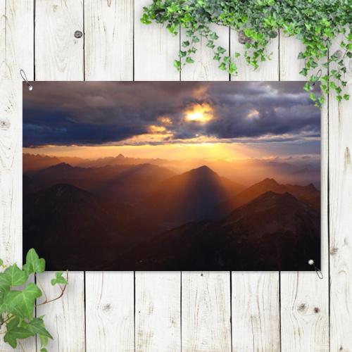 Poster da giardino Montagne al tramonto
