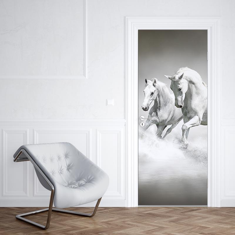 Adesivo per porta Cavallo bianco in acqua