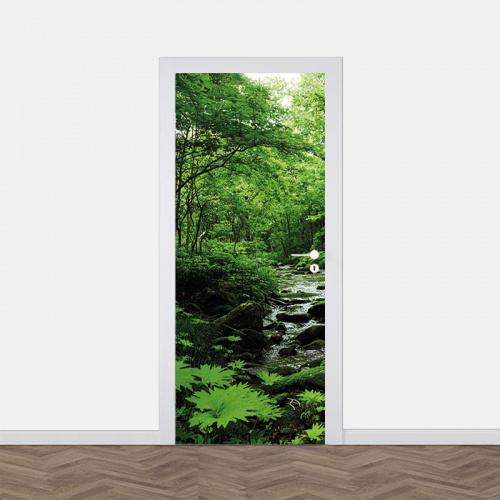 Adesivo per porta Ruscello nella foresta